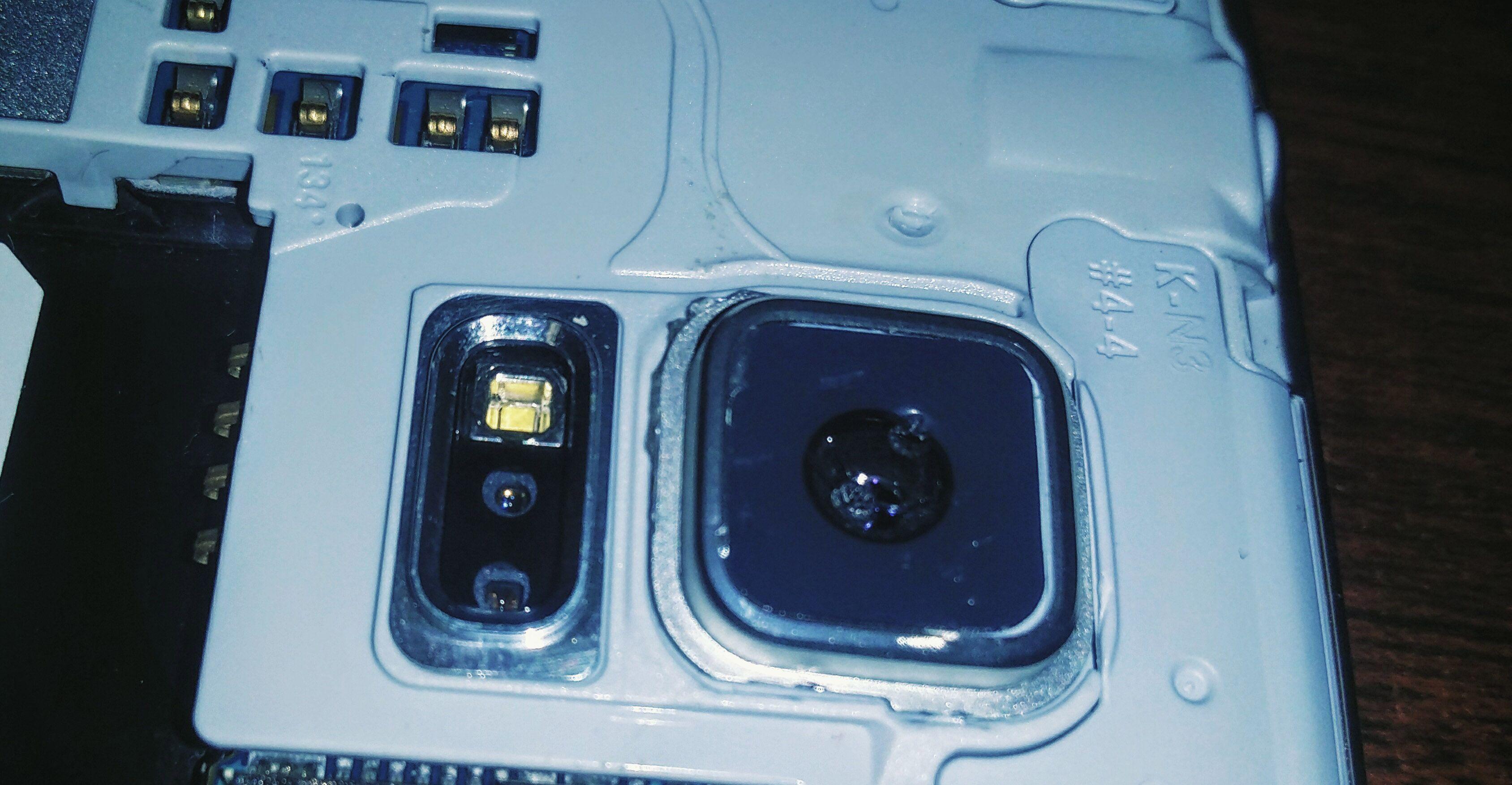 broken s5 camera glass