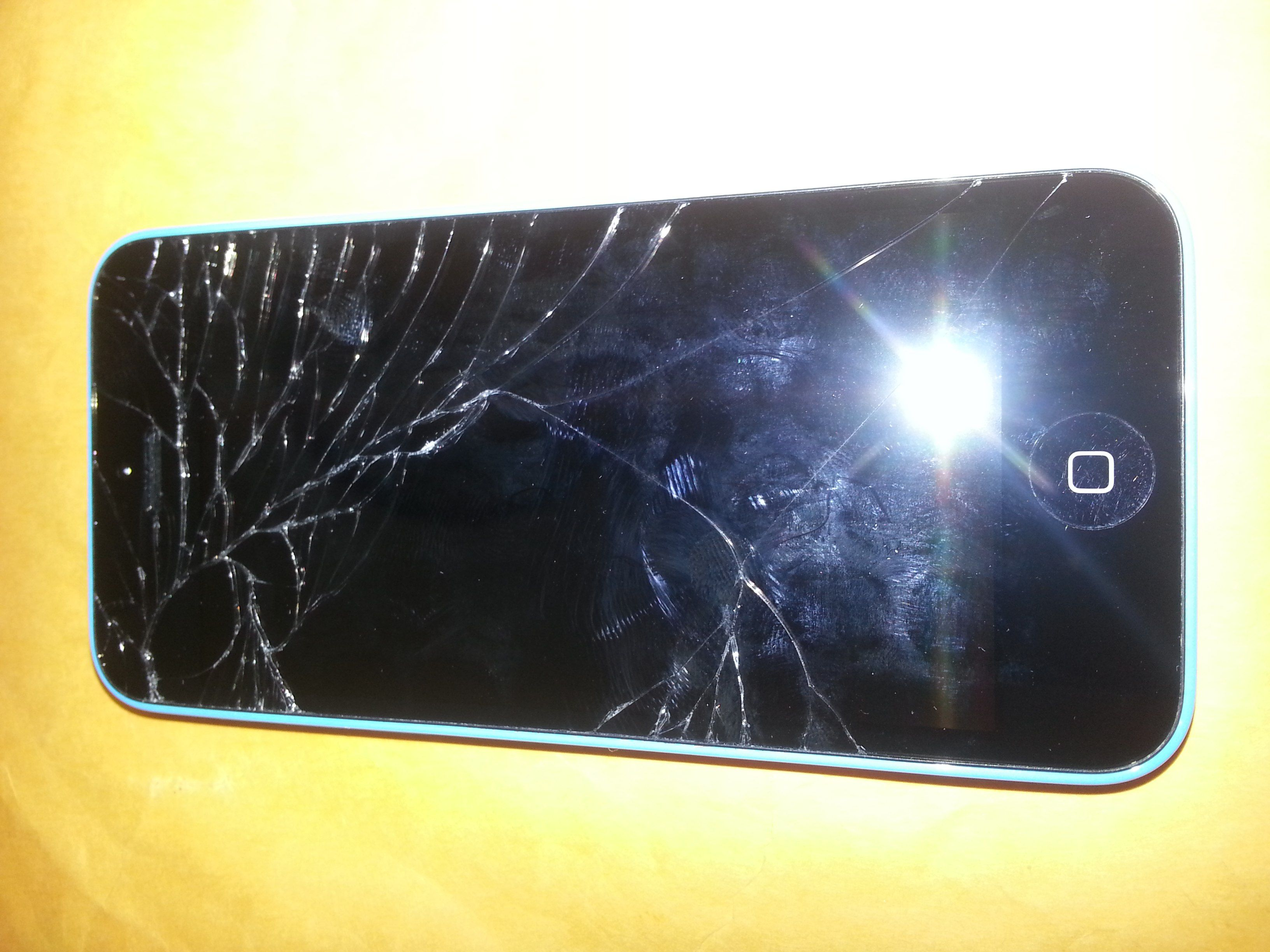iPhone 5c cracked glass