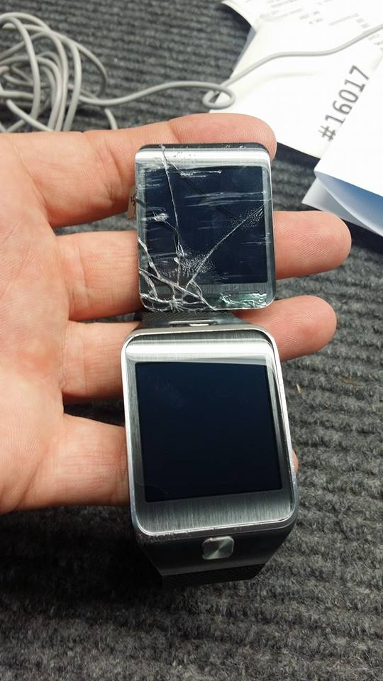 Galaxy Gear 2 watch with cracked screen