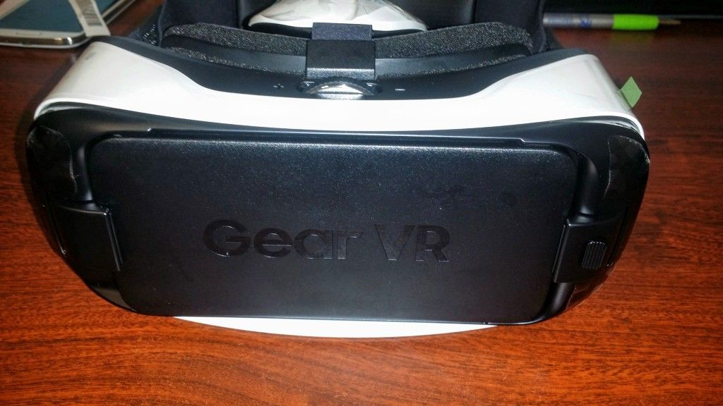 Gear VR S6 & S6 Edge Innovator Edition Front View